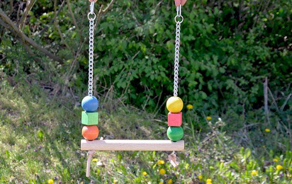 Vogelspielzeug 013 - Schaukel -