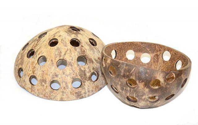Kokosnußhälfte gelocht ca. 10 - 13 cm