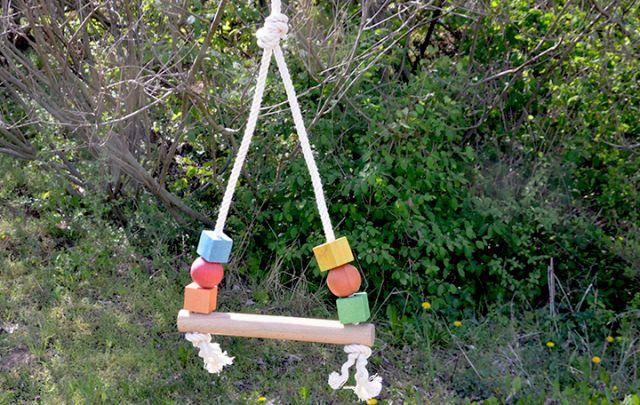 Vogelspielzeug 015 - Schaukel -